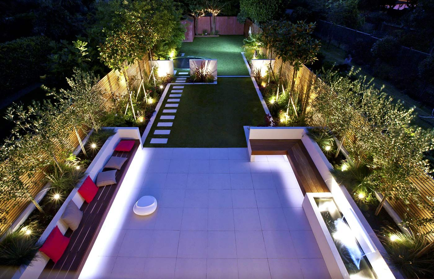 Striking modern garden design divided into three sections for Garden sectioning ideas