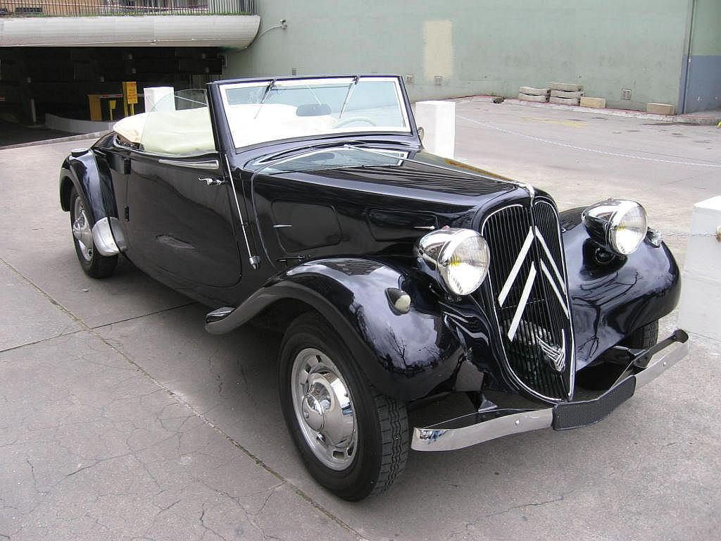 CITROEN Cabriolet 11 BL 1939 Maintenance/restoration of old/vintage vehicles: the material for new cogs/casters/gears/pads could be cast polyamide which I (Cast polyamide) can produce. My contact: tatjana.alic@windowslive.com