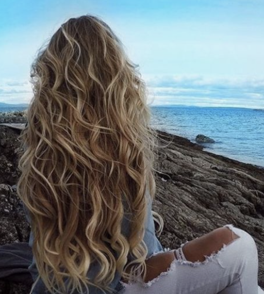 Ellenparkinsonn Hairstyles Wavy Permed Long Curly Blonde Hair Curl