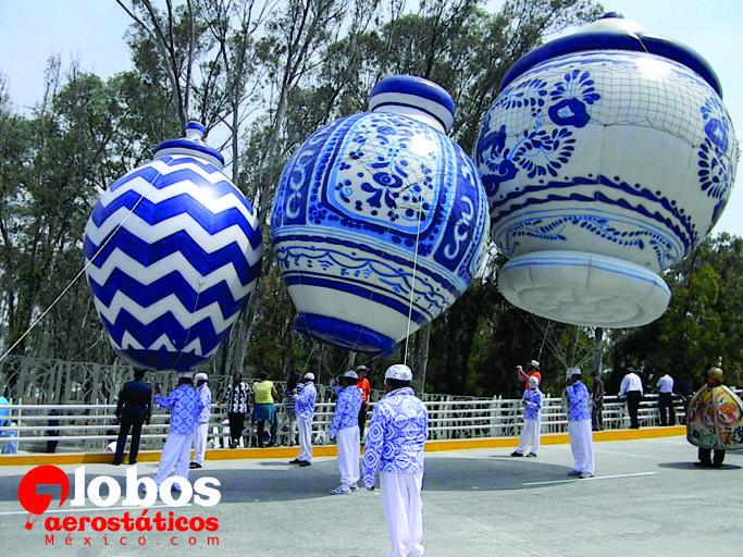 Jarrones gigantes de talavera Desfile 150 aniversario de la batalla ...