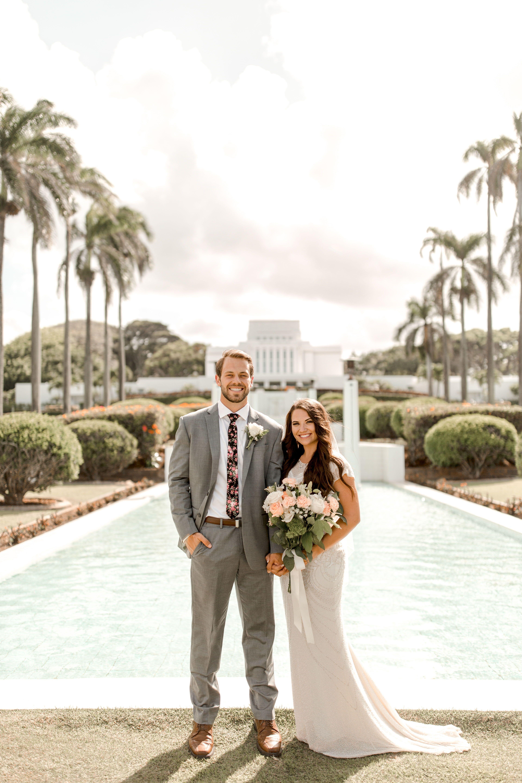 Blogger Two Red Bowls Laid Back Outdoor Hawaiian Wedding Hawaii Wedding Photography Hawaiian Wedding Hawaii Destination Wedding