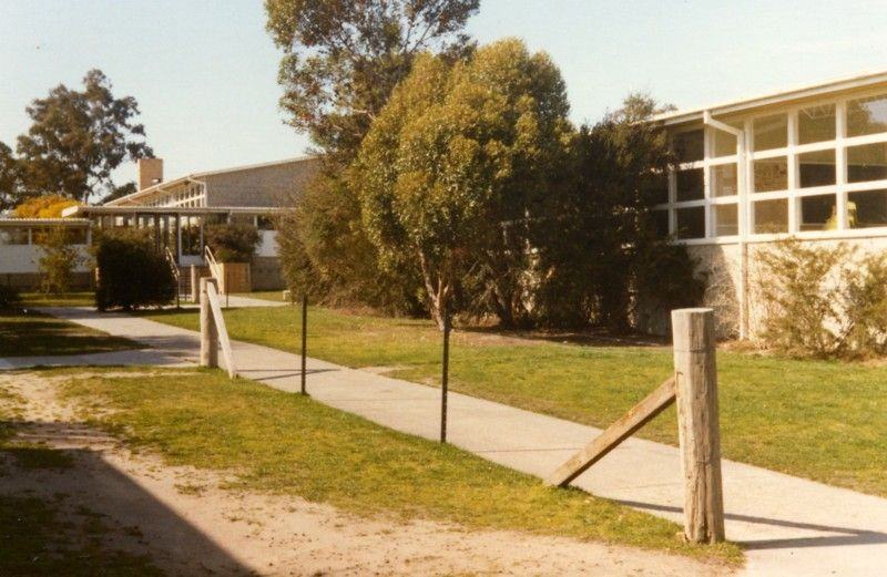 Vermont Secondary College, 1982 Outdoor structures