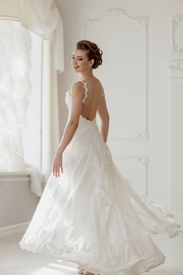 Your Top Wedding Gown Catalogue Looking For The Modern Dresses Types Come By