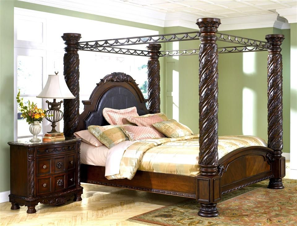 Bed is dreamy... Canopy bedroom sets, North shore