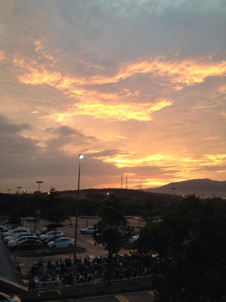 Sunset At Johor Premium Outlets Malaysia With Images Sunset