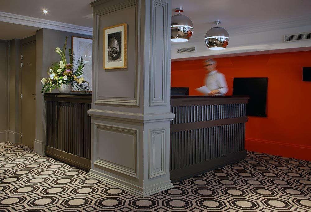 Look baroque contemporain des chambres et suites de l - Chambre du commerce chambery ...