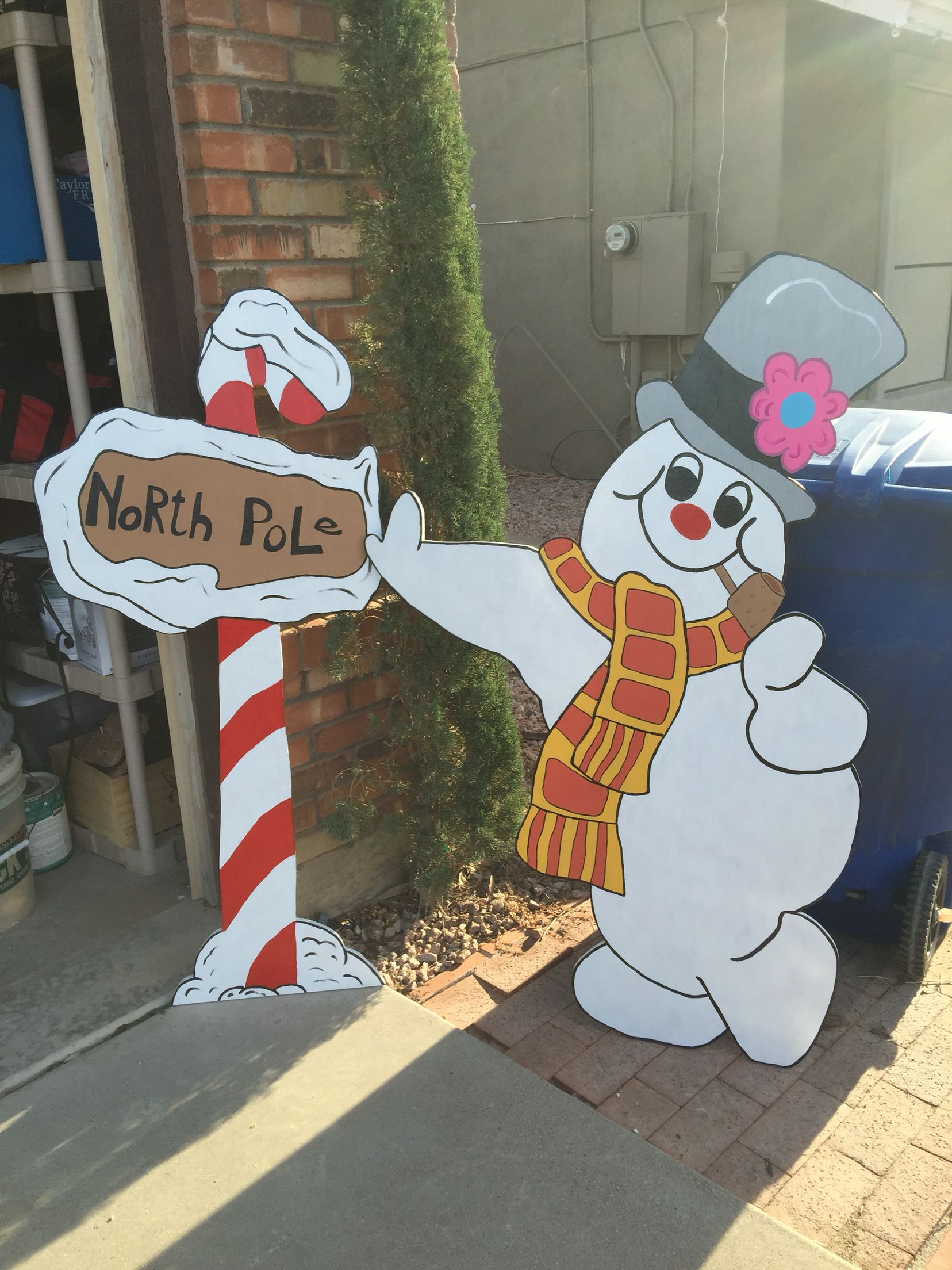 Frosty The Snowman Christmas Yard Decoration I Made From Plywood Christmas Yard Art Outdoor Christmas Decorations Christmas Yard Decorations
