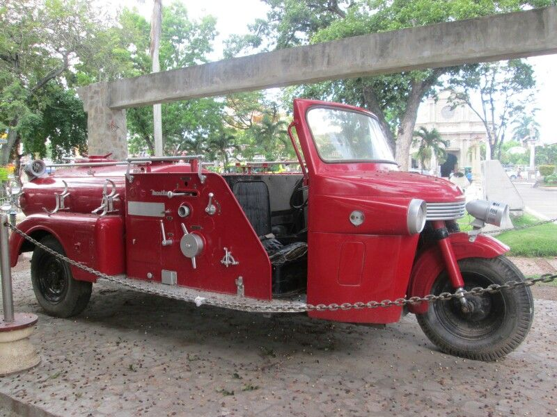 Classic fire truck at Quezon park in Dumaguete city #niceplacetorelax #dumaguetecity