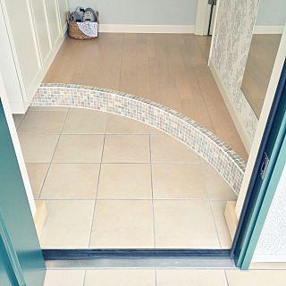 玄関 入り口で使える名古屋モザイクタイルのインテリア実例 名古屋モザイク タイル 玄関 インテリア 実例