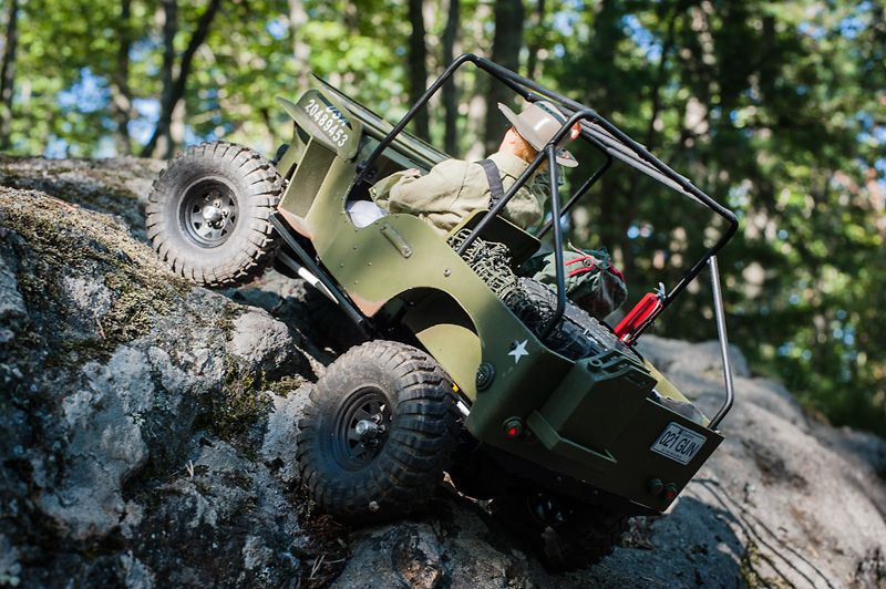 RC 1/10 Axial chassis, RC4WD transmission and Willys hard body