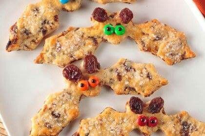 Sun aid raisin bat cookies