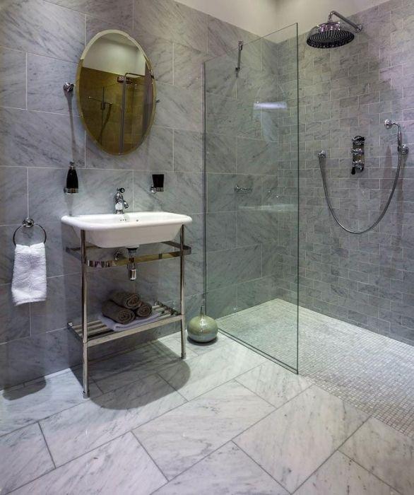 Carrara Marble Traditional Bathroom Display in TileStyle ...