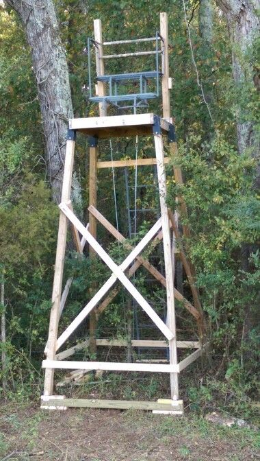 Elevated Stand Before I Enclose It It S Straddling A Fence Row Deer Stand Deer Hunting Blinds Deer Hunting Stands