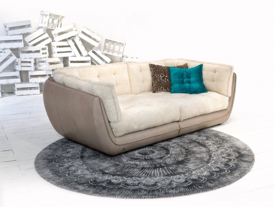 Cupcake Sofa Beige Leather Corpus Off White Mohair Oversized Cushions Bretz Collection Bequemes Schlafsofa Bequeme Sofas Bequemes Sofa
