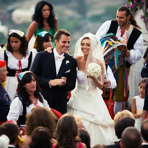 The Most Romantic Place On Earth From Caroline David To George Amal All The Stars Who Ve Married In Italy Celebrity Bride Hollywood Wedding Bride Guide