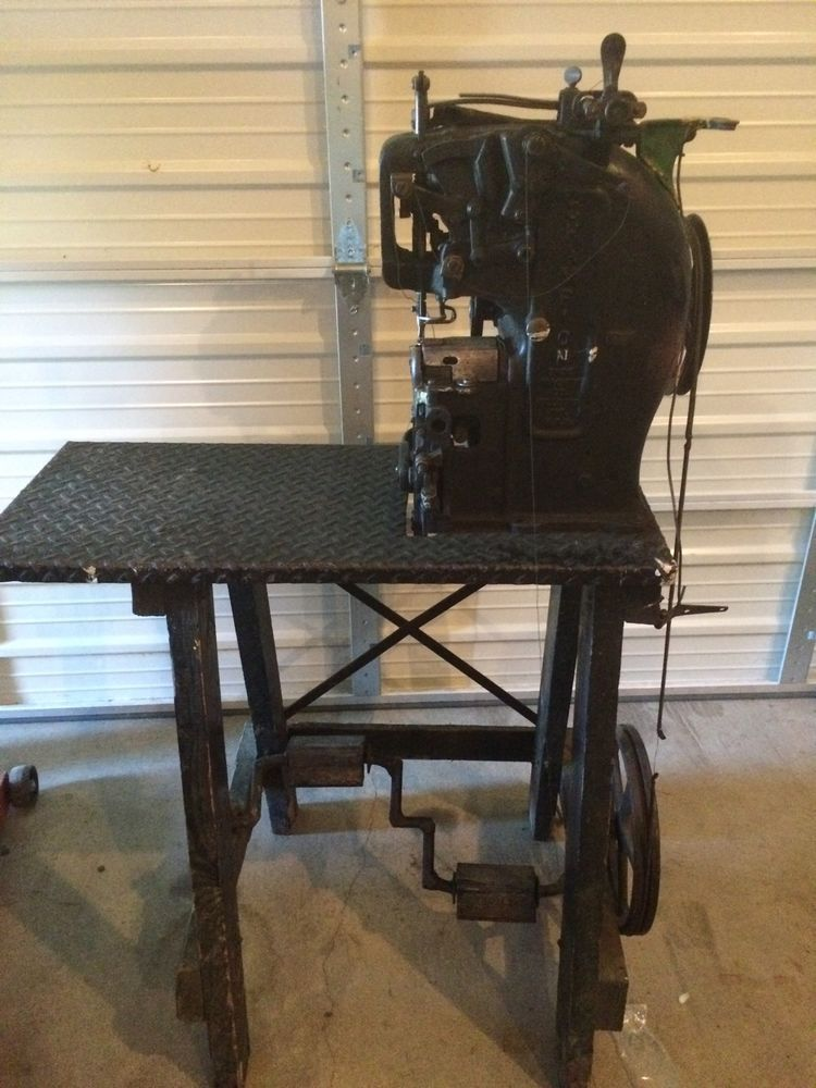 CHAMPION Sewing Machine Antique Leather Cobblers Shoe Maker Gorgeous Singer Sewing Machine For Leather