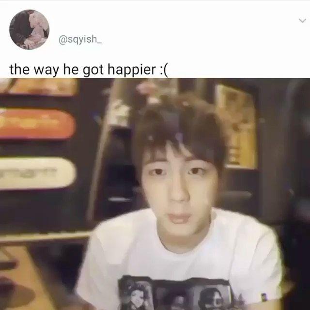 "Kim Seokjin ⁷  Fanaccount on Instagram: ""The way this melted my heart 🥺🥺😭🥺😭🥺🥺🥺 • • • • • • • Follow @_jinnie.seok_ for more 😢#seokjin #bangtangsonyeondan #kimseokjin #bts #jinbts…"""