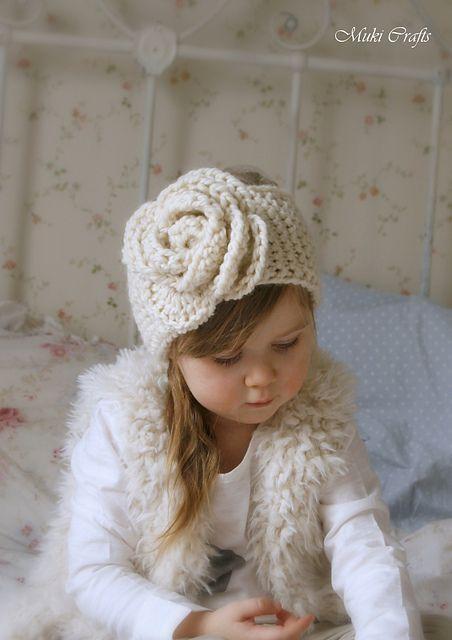 Nelly headband pattern by Muki Crafts #knitheadbandpattern