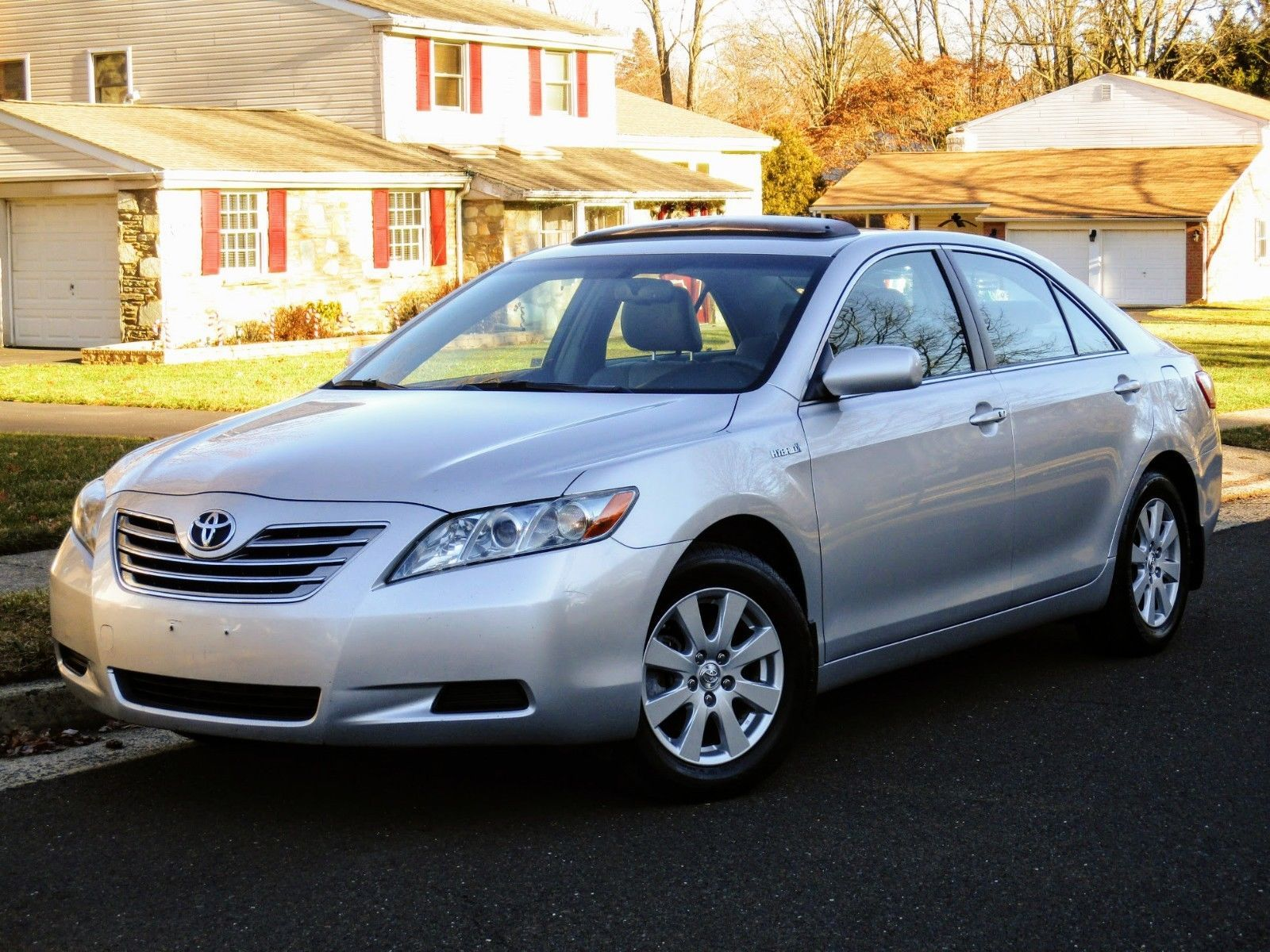 Superb Nice Awesome 2009 Toyota Camry Hybrid NO RESERVE! CLEAN CARFAX! 34 MPG!  LEATHER! NAVIGATION! BLUETOOTH! SMART KEY! SDN 2017/2018