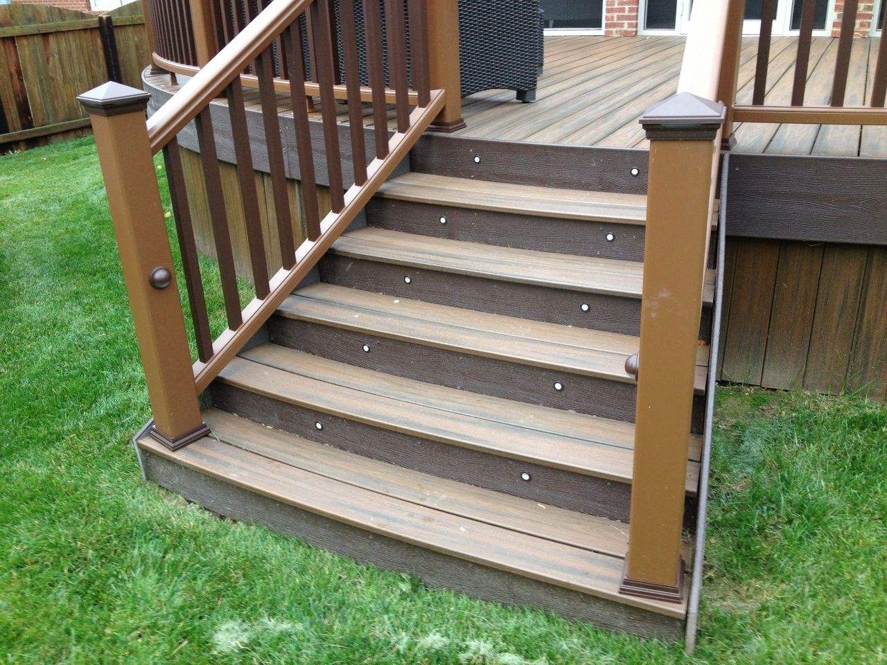 Best How To Paint Stair Rails In 2020 Outdoor Stair Railing 400 x 300