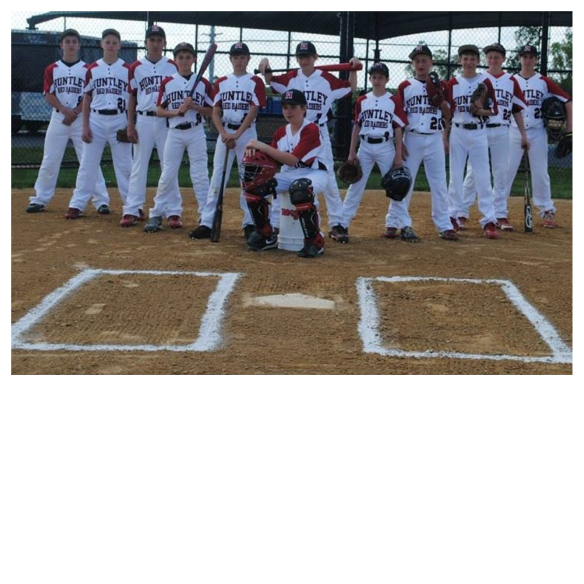 Team Picture Cute Idea For Team Photo Of A Baseball Team Banner Idea Baseball Team Pictures Team Pictures Baseball Banner