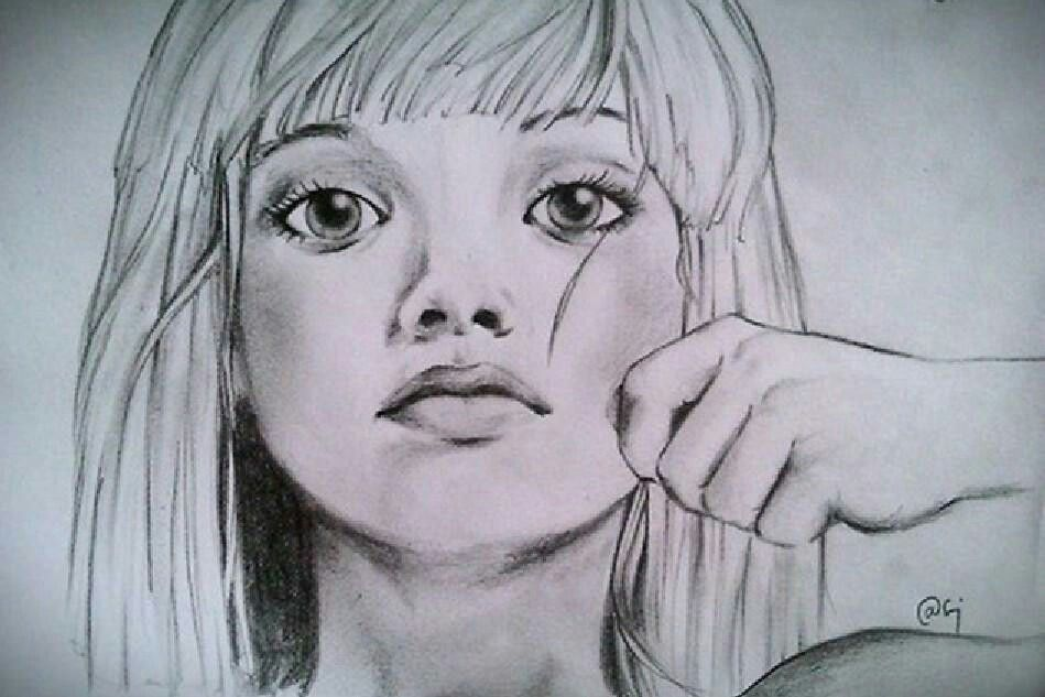 Maddie Ziegler has Sia Chandelier drawing #DanceMoms