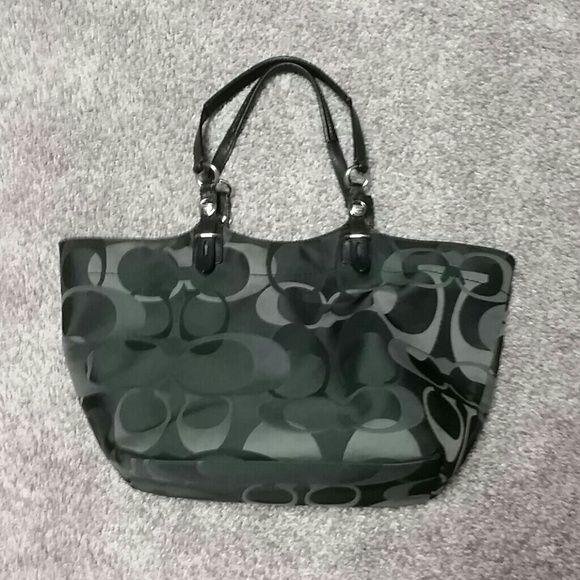 Immaculate Coach Signature Black optic purse  9537bbab45740