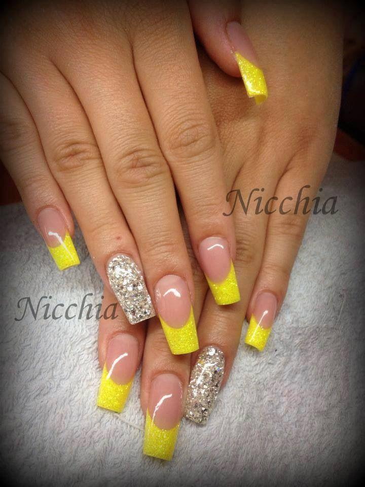 Pin By Ari Ist On Arte En Unas Yellow Nails Nail Art Designs Silver Acrylic Nails