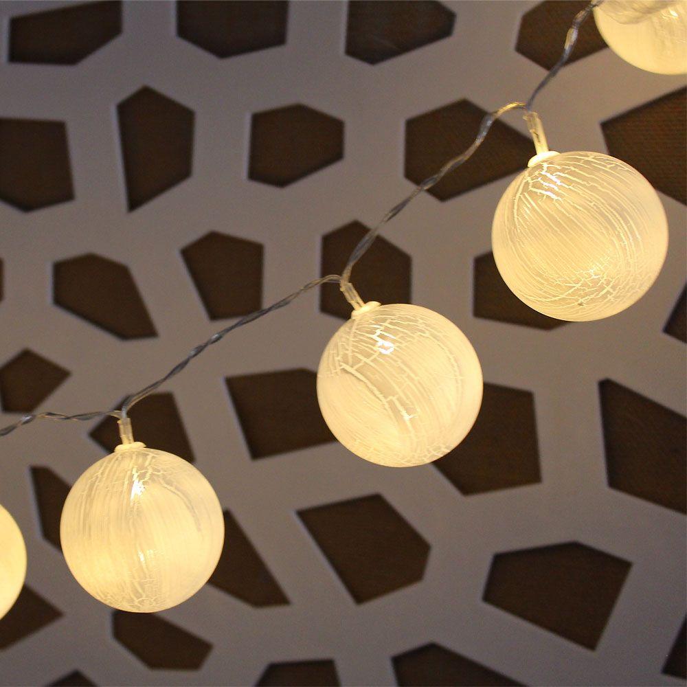 Guirnalda Decorativa Led En Forma De Bolas Blancas Iluminadas Muy Bonita Y Decorativa Puedes Donde Quieras Funciona Luces De Navidad Guirnaldas Tiras De Led