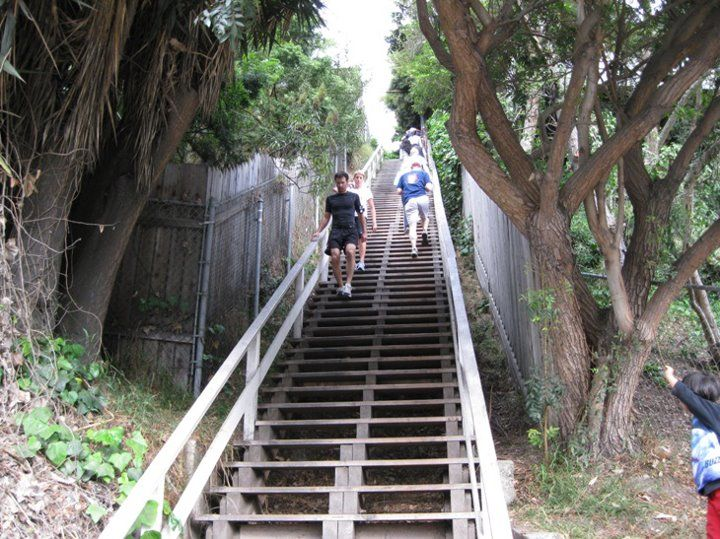 Santa Monica Stairs 4th And Adelaide Santa Monica Stairs Fun Workouts Santa Monica
