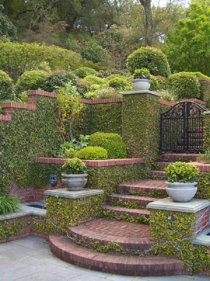 Romantic and Beautiful Formal Garden Patio Wall Exterior Formal ...