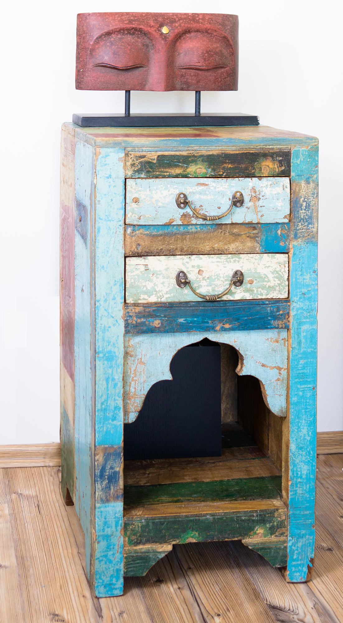 Beistellschrank von Guru-Shop, hergestellt aus antiken Komponenten indischer Möbel. #indischemöbel Beistellschrank von Guru-Shop, hergestellt aus antiken Komponenten indischer Möbel. #indischemöbel