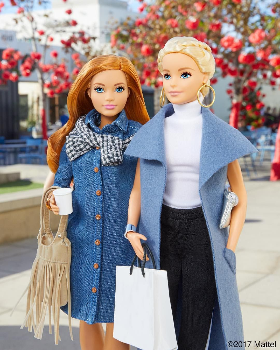 Holiday errands are better with friends! So much to do, so little time. ???? #barbie #barbiestyle #dollaccessories