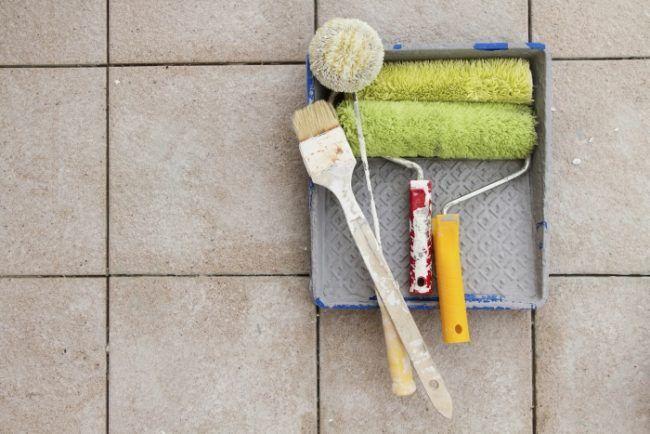 fliesen-streichen-materialien-farbroller-pinsel Badezimmer Pinterest