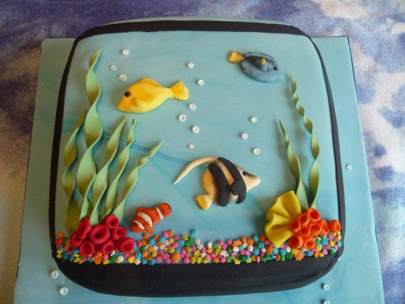 Miraculous Aquarium Themed Cake Google Search Themed Cakes Cake Eat Cake Funny Birthday Cards Online Inifodamsfinfo