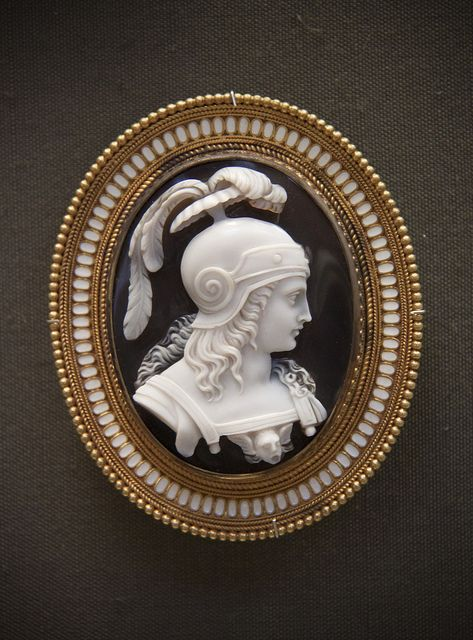 Helmeted warrior, Onyx cameo brooch, Rome about 1860 |  BRITISH MUSEUM