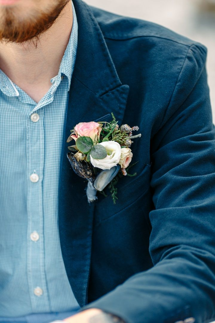 Casual groom in blue shirt and navy blue suit + beach wedding boutonniere idea | fabmood.com #wedding #beachwedding #casualwedding #weddinginspiration #groomstyle