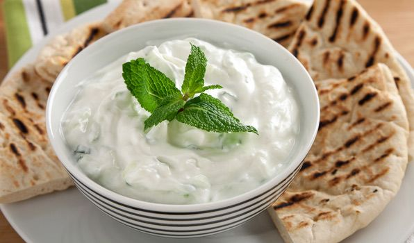 Vera Ricetta Dello Tzatziki.Tzatziki Tzatziki Sauce Savory Snacks Greek Yogurt Sauce