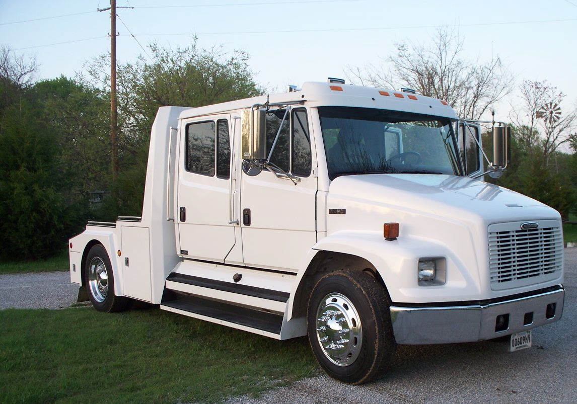 freightliner rv haulers 2000 fl60 crew cab neely koble what a deal  [ 1146 x 803 Pixel ]