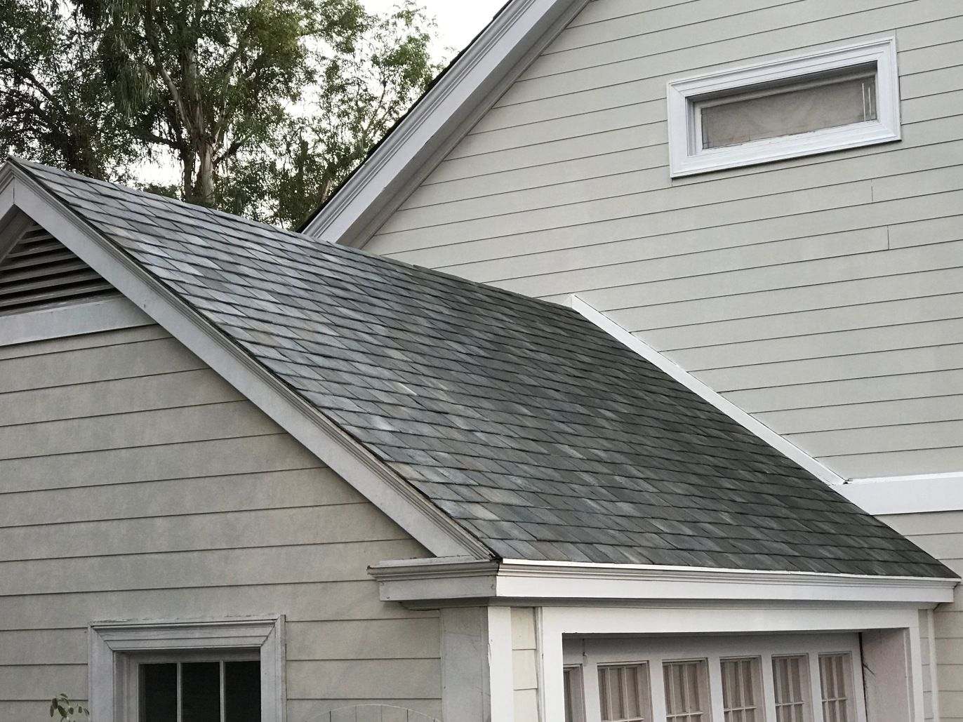 These Are Tesla S Stunning New Solar Roof Tiles For Homes With Images Solar Tiles