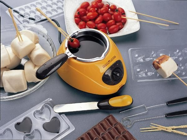 Package Includes 1 X Electric Chocolate Melting Pot 1