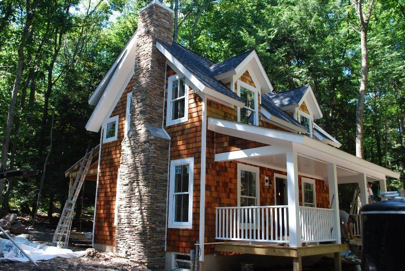 Pictures of cedar siding homes love the way the cedar for Cedar shake home plans