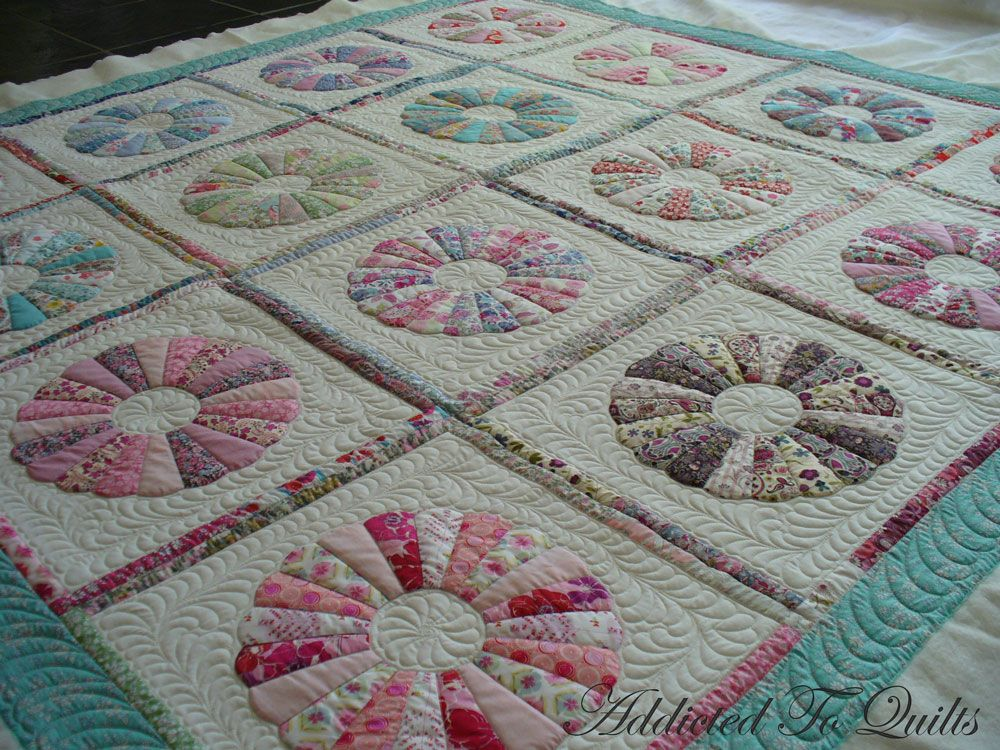 dresden plate quilt with sashing and borders - Google Search Quilting Ideas and Lessons ...