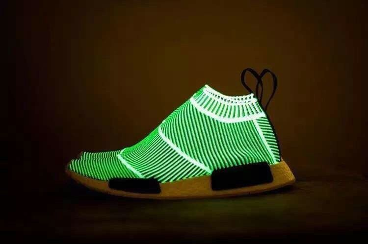 best loved 29f07 d46d6 Populaire NMD City Sock PK S79150 Green Glow In The Dark ...
