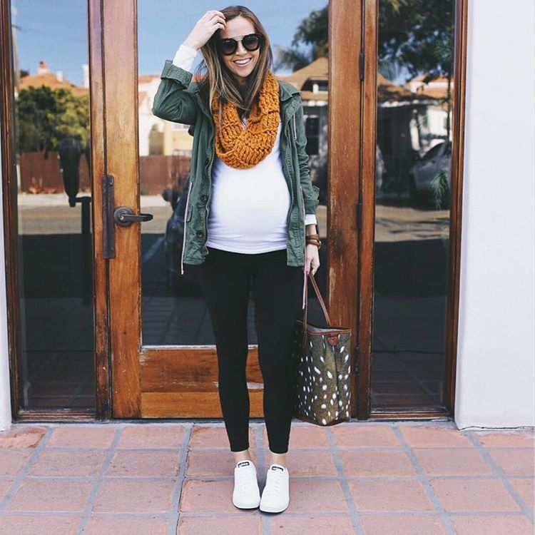 Celebrity casual maternity style instagram