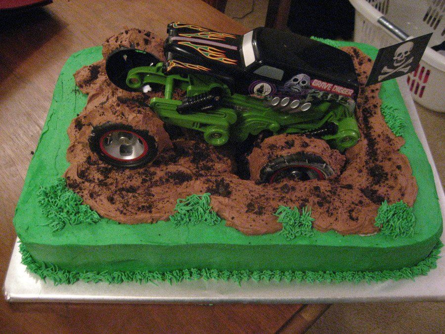 digger cake template - grave digger i cut a hole in the center of the cake for