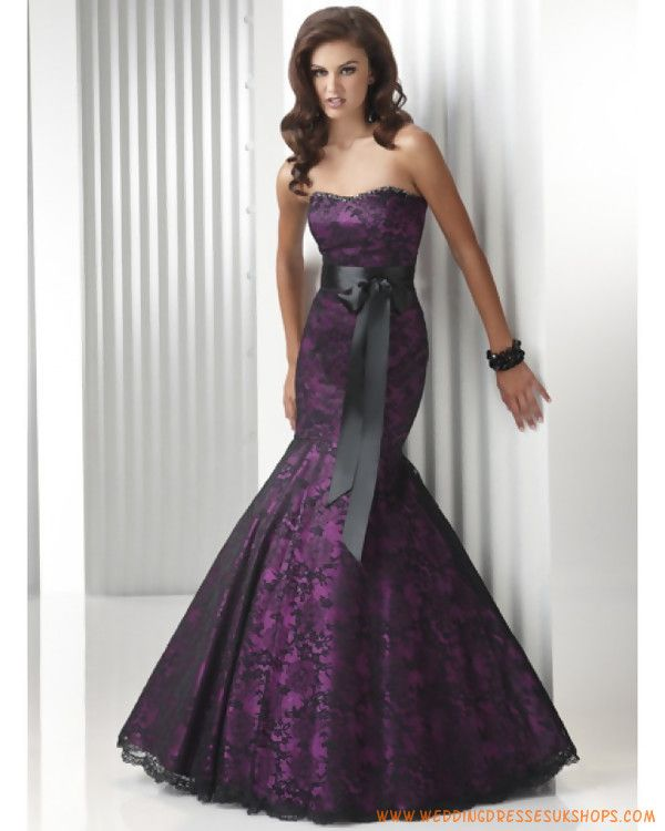 Purple, my favorite color. I like this dress, though it looks like the thighs are too tight, loosen it up and it's a perfect dress...