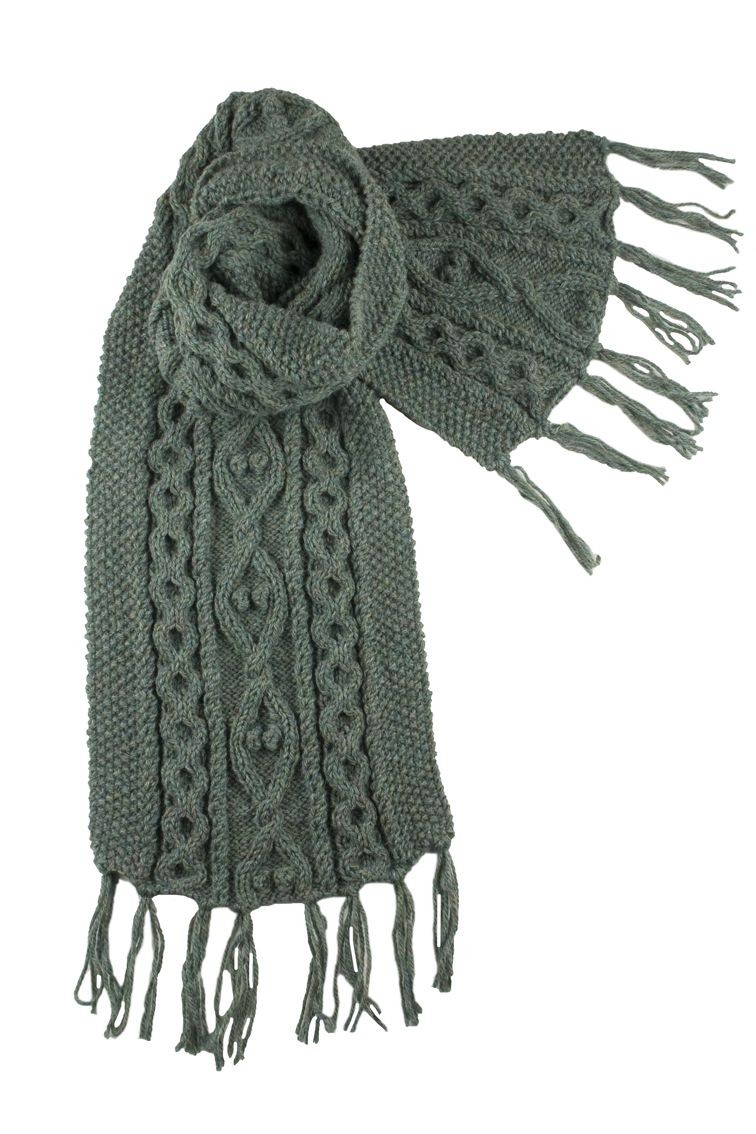 Aran Infinity Scarf Knitting Pattern : Cable Knit Scarf Patterns My Crochet Bricolaje y ...