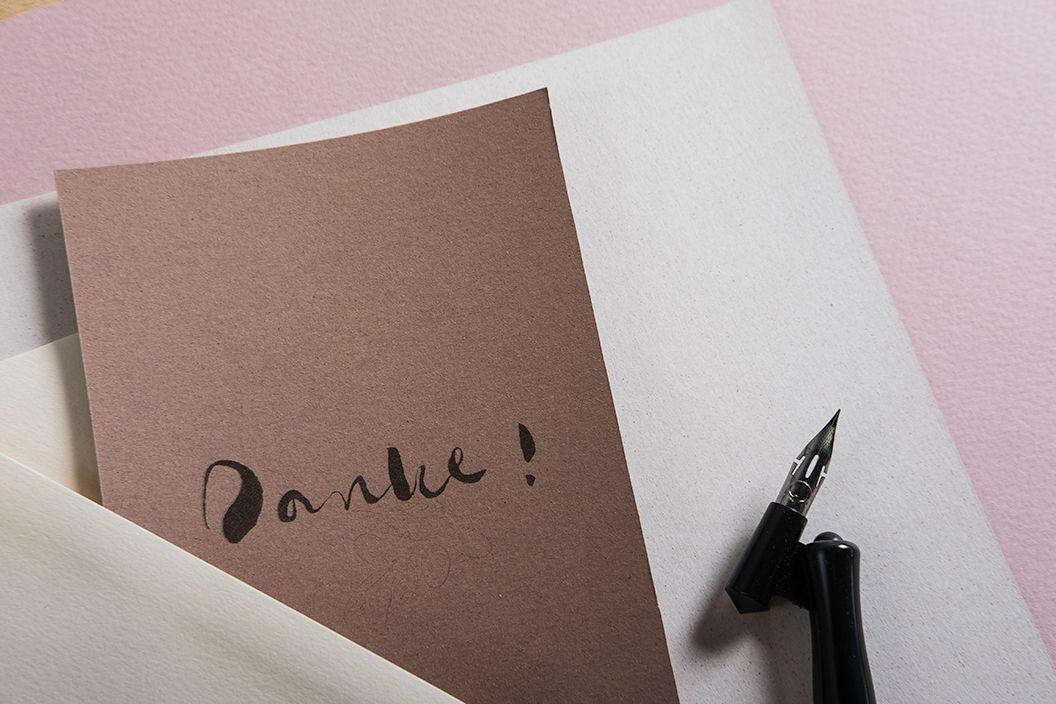 Elegante Karten Im Farbtrend Blush Vellum Rose Rosa Lightpink Apricot Chamois Almond Copper Mandel Kupfer Altrosa C Papier Farbtrends Kalligrafie