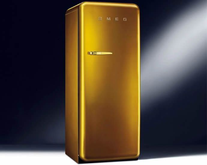 Smeg Kühlschrank Gold : Bling your kitchen with swarovski studded smeg gold retro